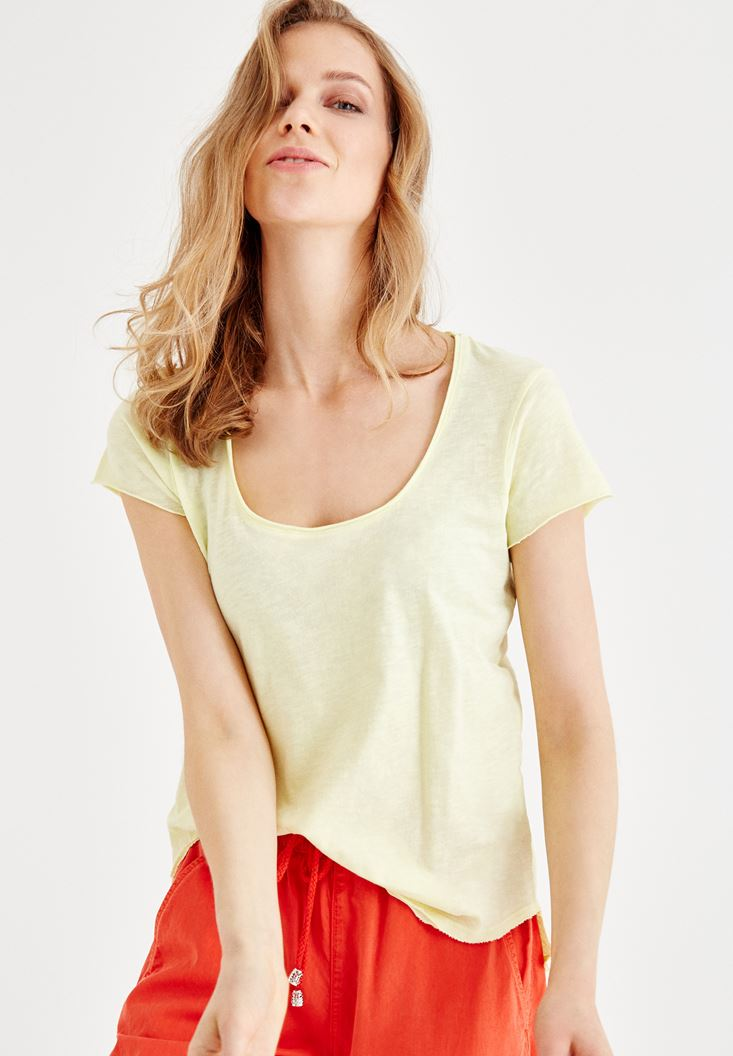 Yellow U Neck Basic T-shirt