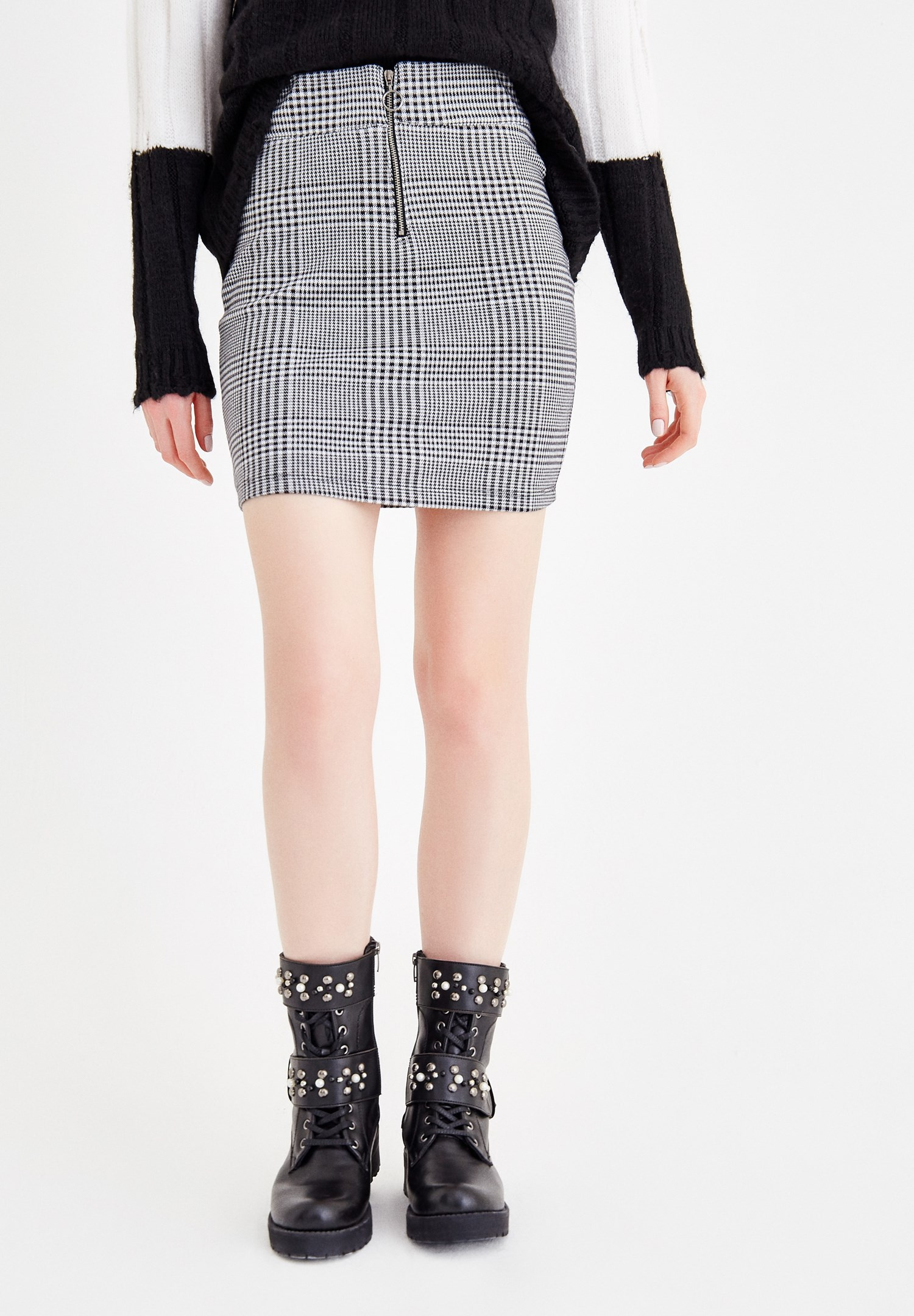 Women Mixed Check Skirt With Zip Detail