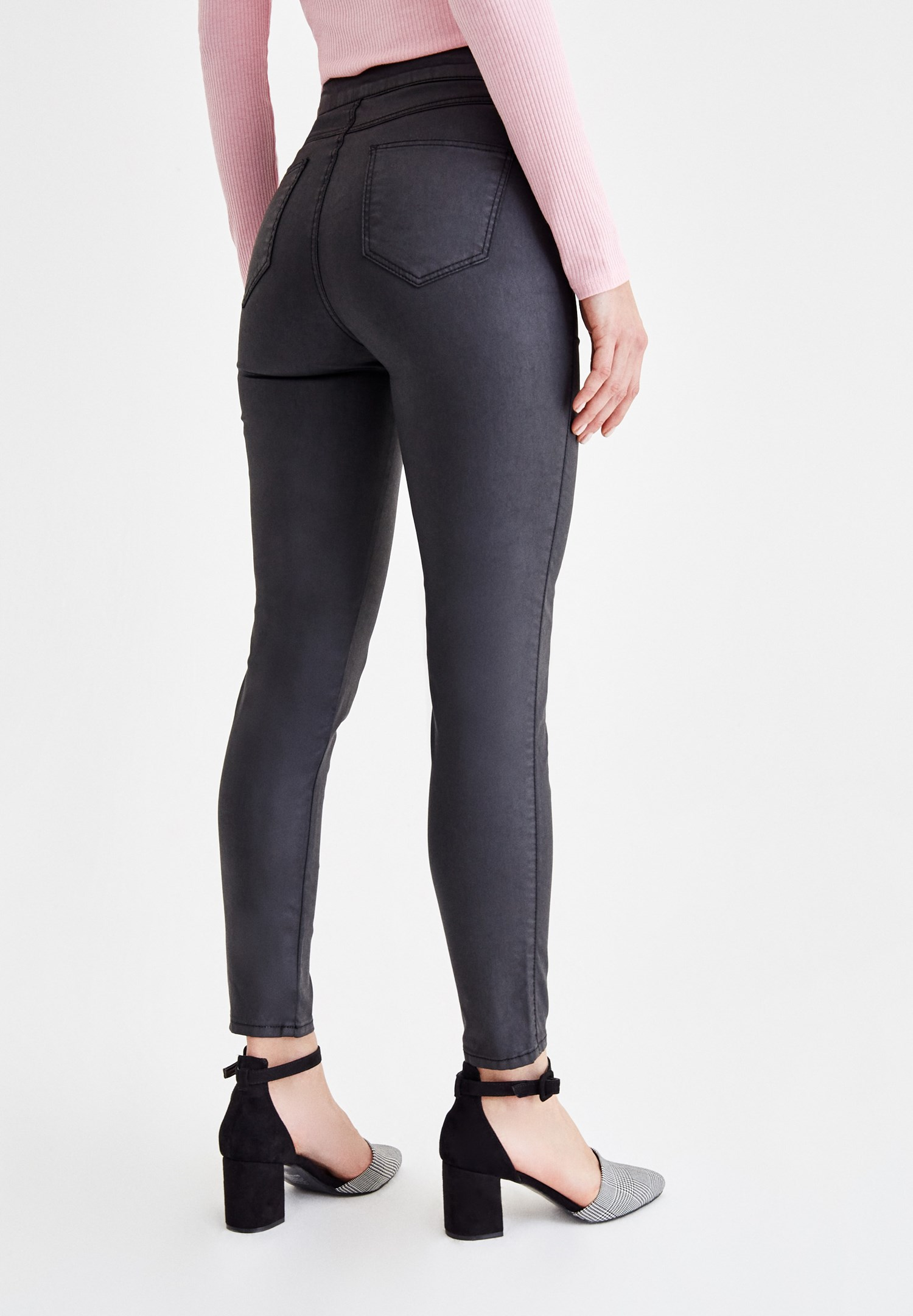 Women Black Skinny Jeans with Zipper Details