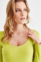 Bayan Yeşil Sırt Detaylı Uzun Kollu Tişört
