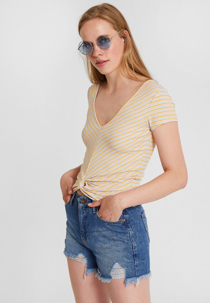 Mixed V Neck T-Shirt with Stripe Pattern
