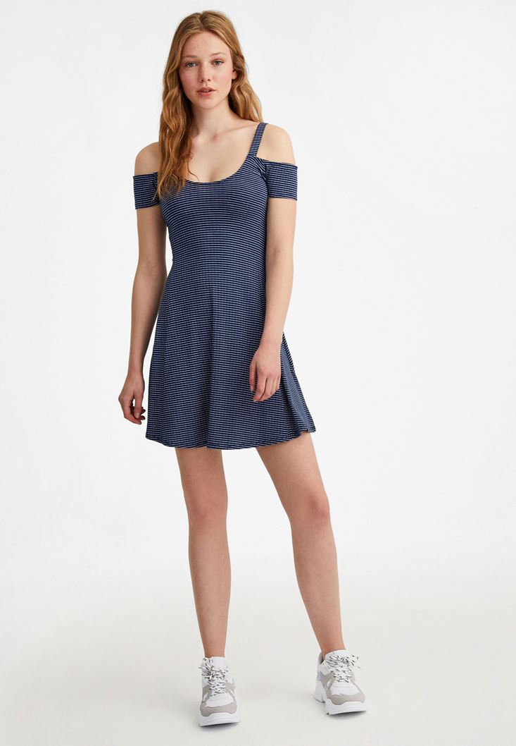 Çok Renkli Omuz Detaylı Çizgili Elbise