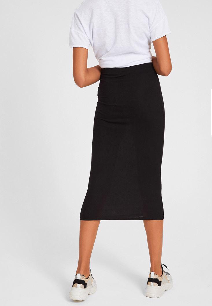 Women Black Knee-Bottom Narrow Skirt