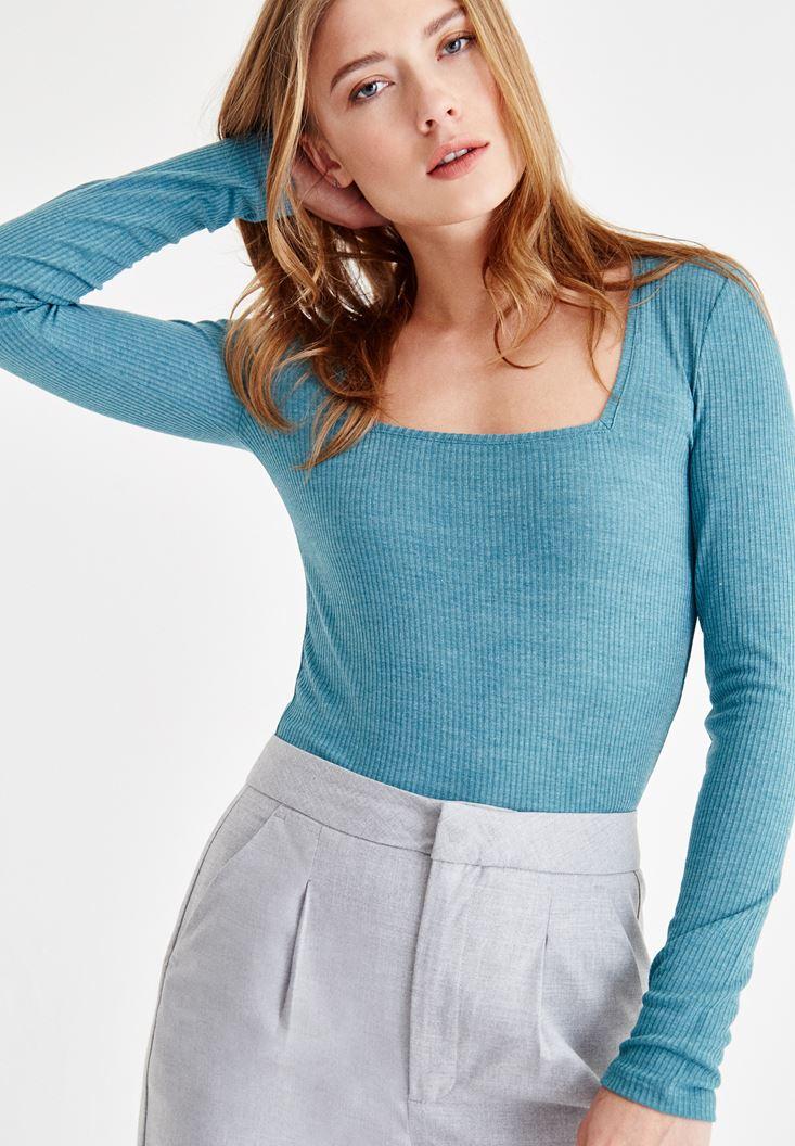 Mavi Kare Yaka Uzun Kollu Tişört
