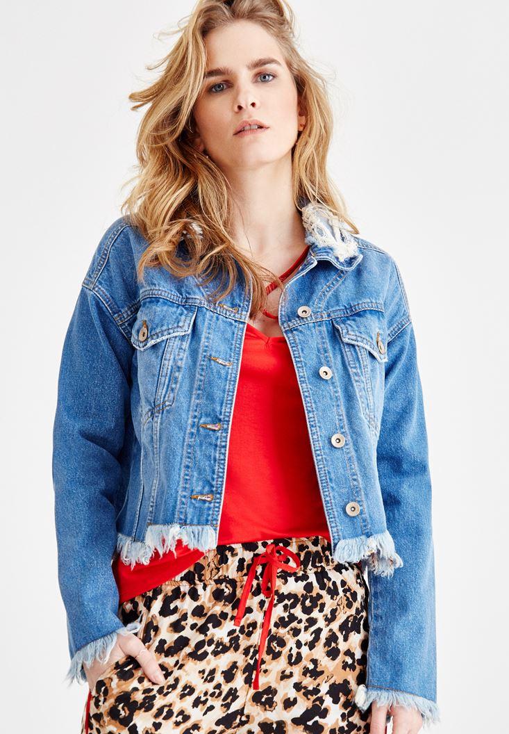 Mavi Yakası Yırtık Detaylı Jean Ceket