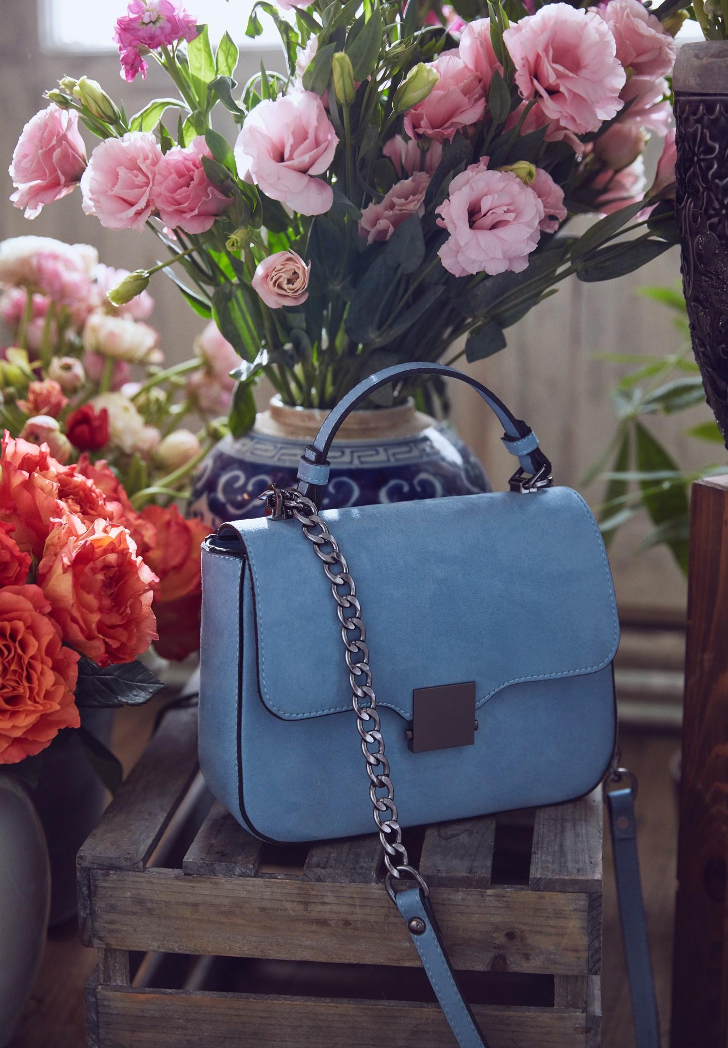 Women Blue Buckle Detailed Shoulder Bag
