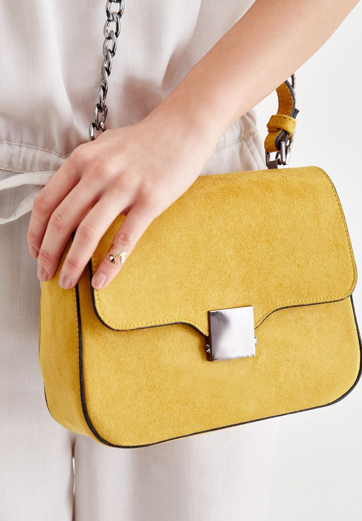 Yellow Buckle Detailed Shoulder Bag