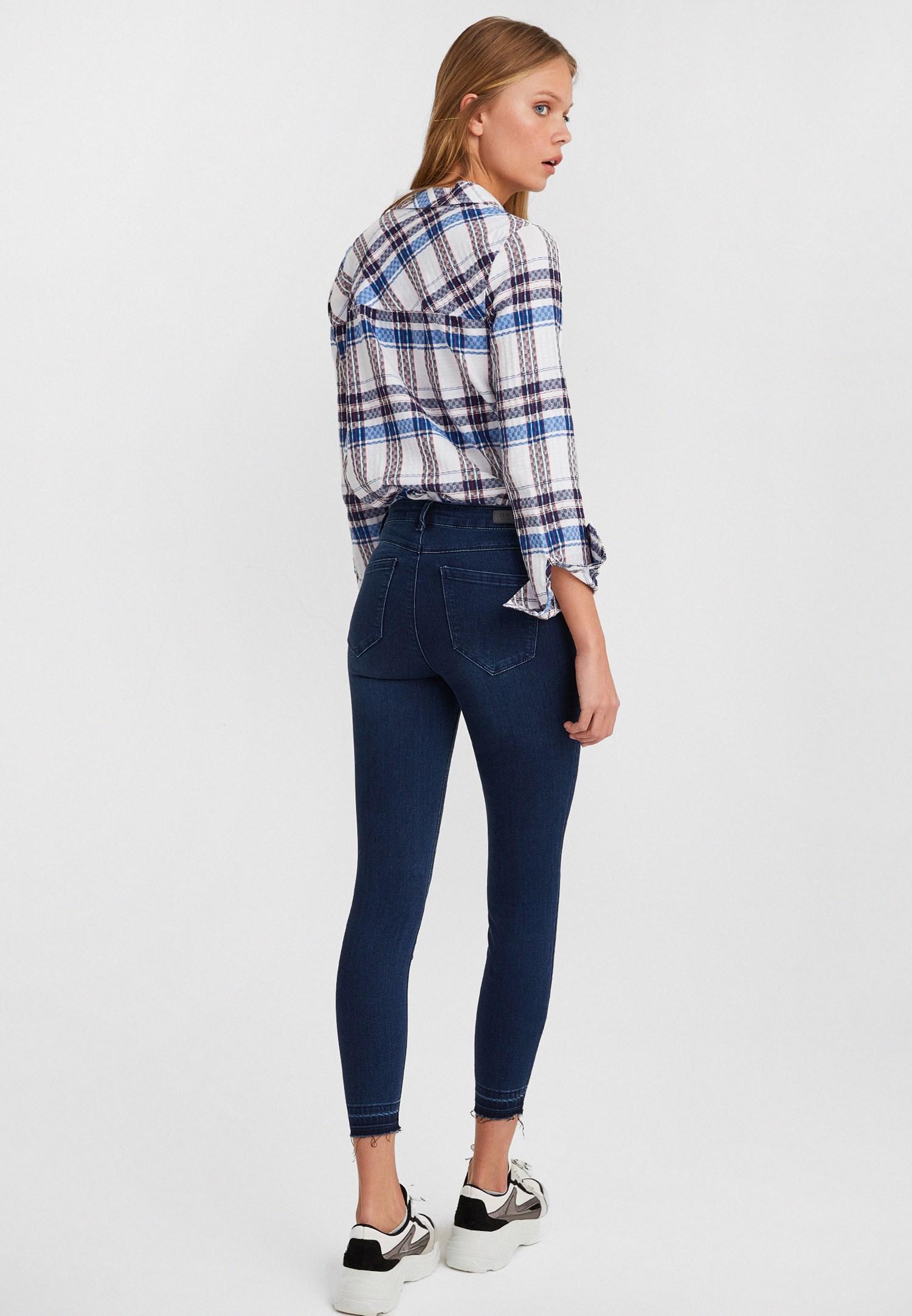 Women Blue Mid Rise Jean