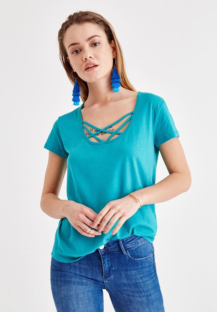 Yeşil Çapraz Biye Detaylı Tişört