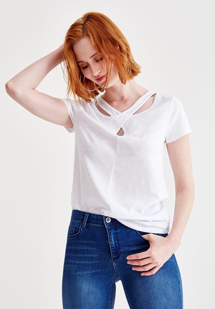Beyaz Kısa Kollu Yaka Detaylı Tişört