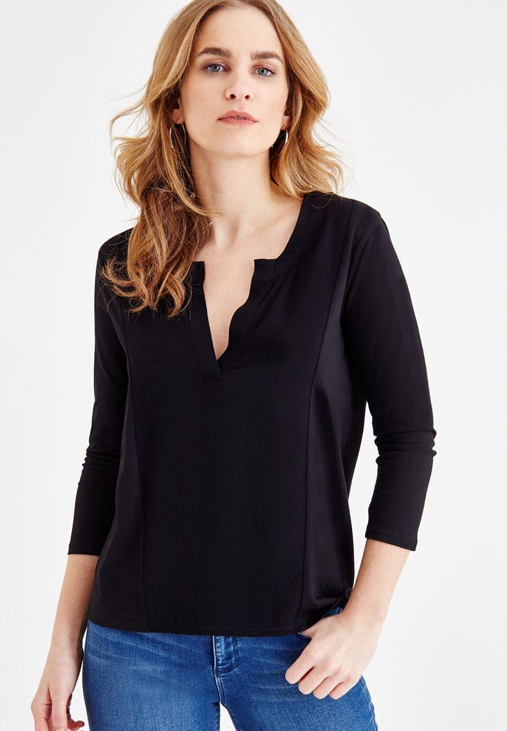 Siyah V Yaka Dikiş Detaylı Bluz