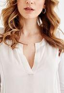 Bayan Krem V Yaka Dikiş Detaylı Bluz