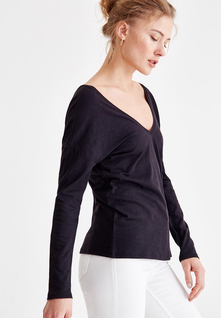 Bayan Siyah Sırt Detaylı V Yaka Tişört