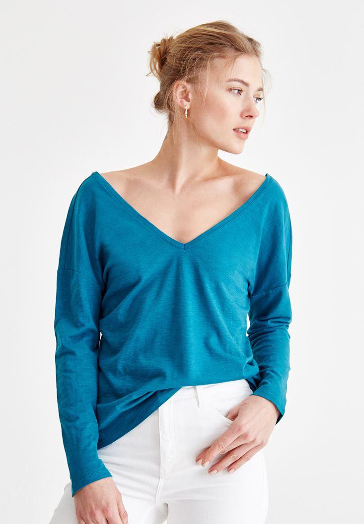 Blue v neck t shirt with back details oxxo for V neck back shirt