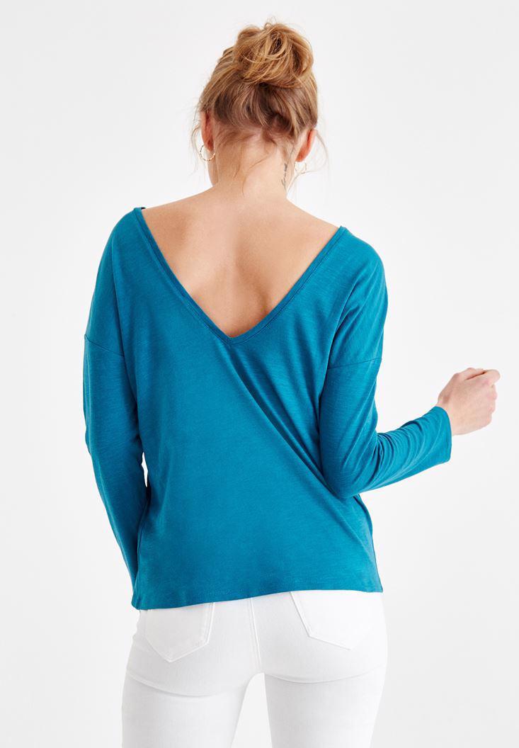 Bayan Mavi Sırt Detaylı V Yaka Tişört