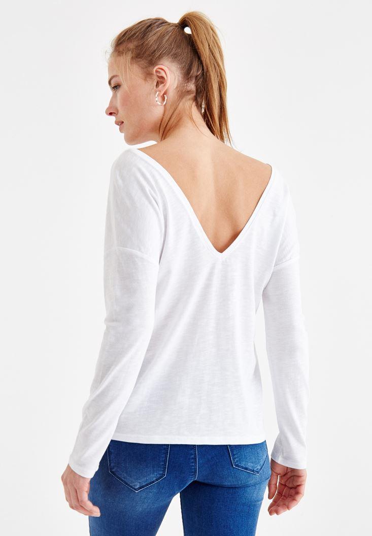 Beyaz Sırt Detaylı V Yaka Tişört