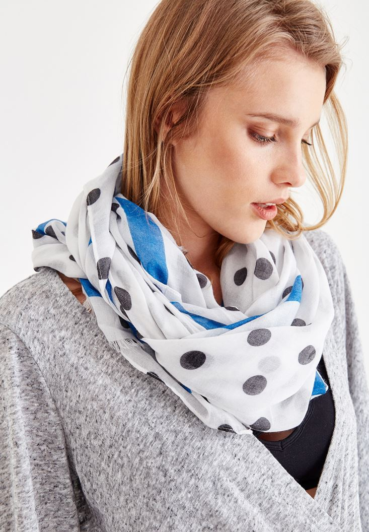 Mixed Scarf with Spot Detail