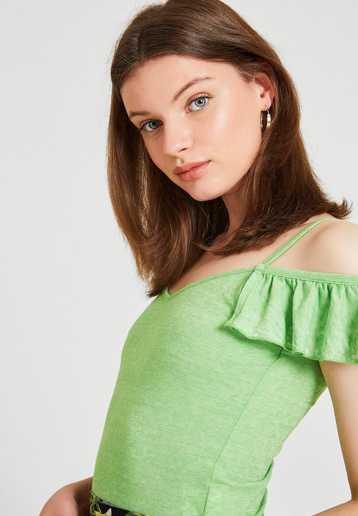 Yeşil Omuzları Fırfırlı İnce Askılı Bluz