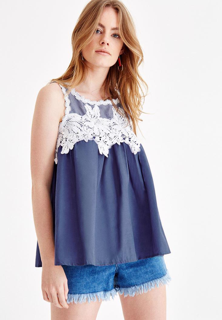 Bayan Lacivert Dantelli Boncuk Detaylı Bluz