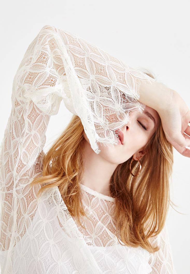 Krem Kol Detaylı Transparan Bluz
