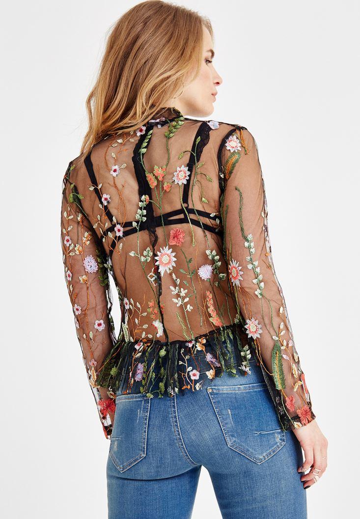 Bayan Siyah Yaka Detaylı Çiçek Nakışlı Bluz