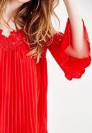 Bayan Kırmızı Pili Detaylı Bluz