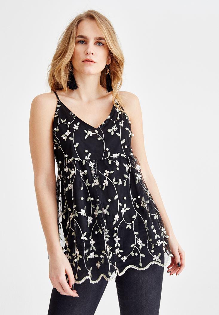 Siyah Çiçek İşlemeli Askılı Bluz