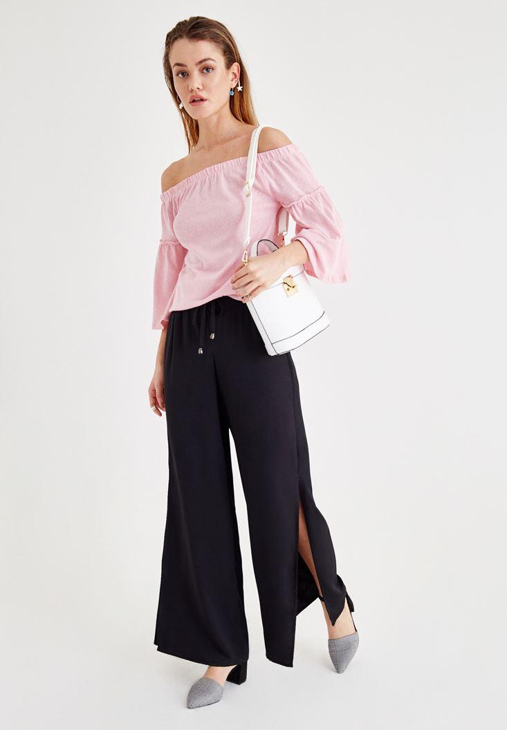 Düşük Omuzlu Pembe Bluz ve Yırtmaç Detaylı Pantolon