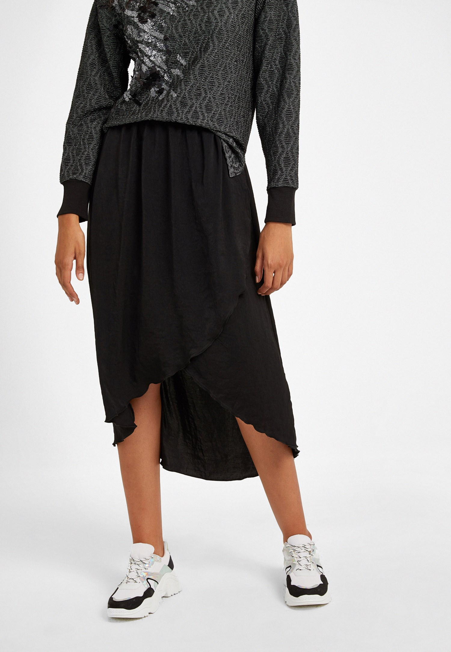Women Black Asymmetric Skirt