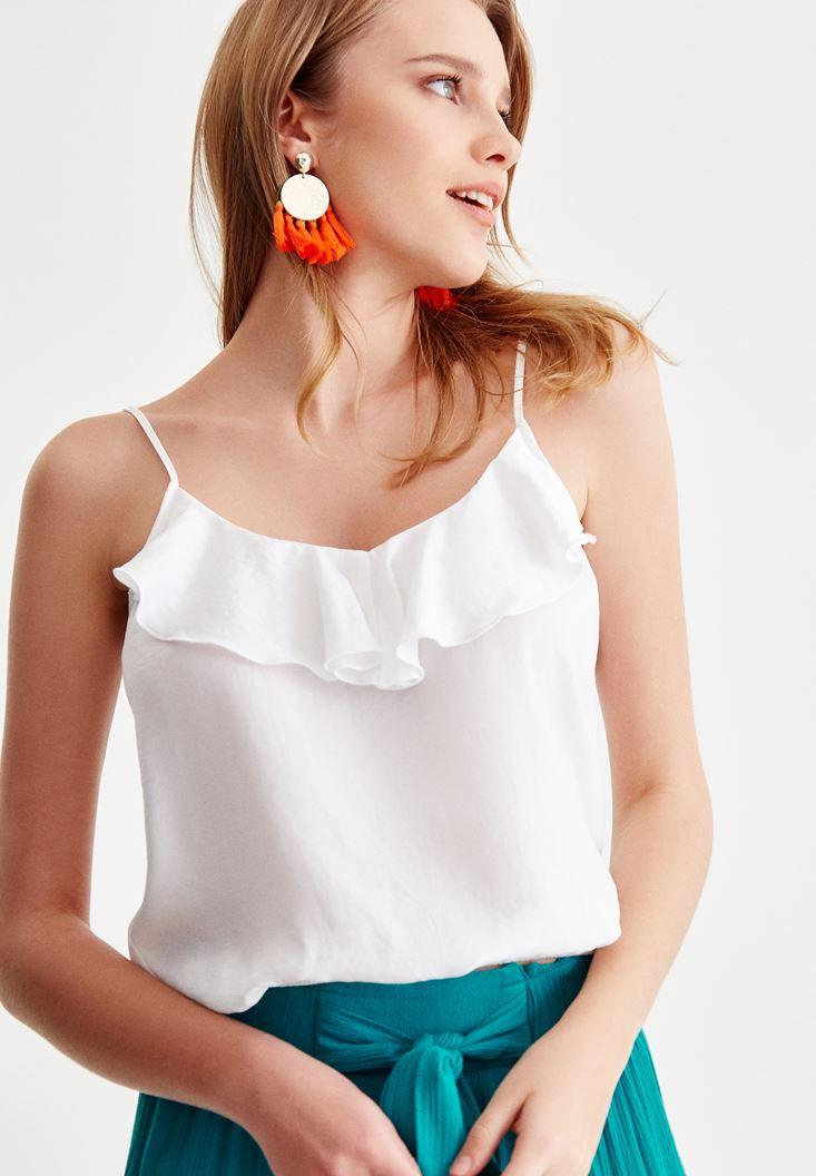 Beyaz Askılı Fırfır Detaylı Bluz