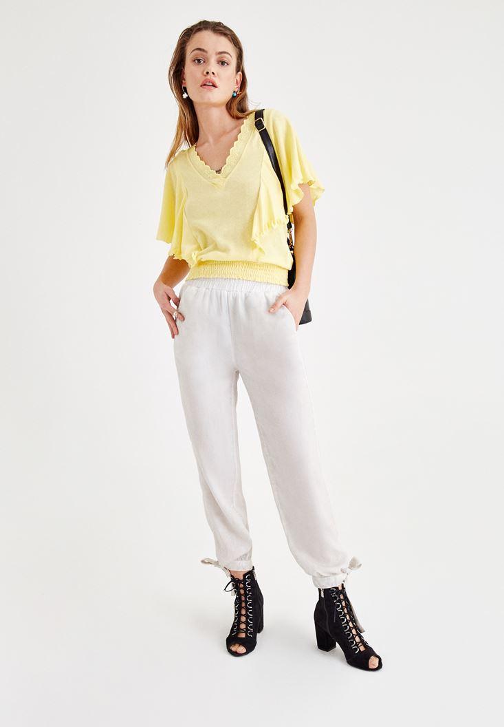 Sarı Bluz ve Pantolon Kombini