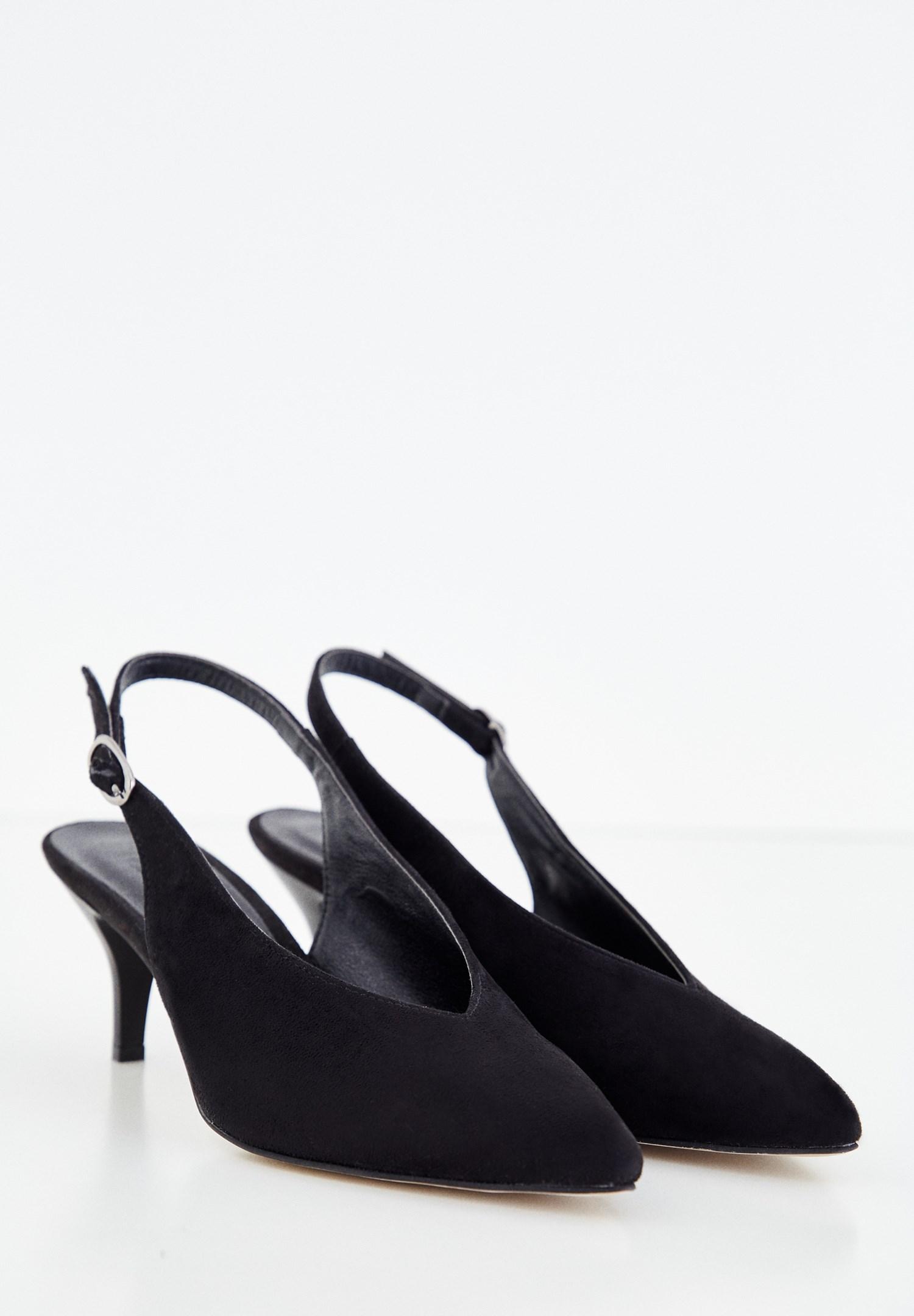 Bayan Siyah İnce Topuklu Sivri Burun Ayakkabı