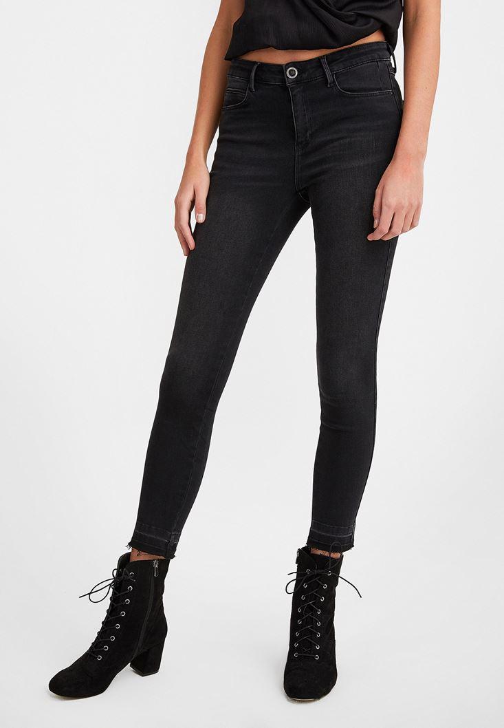 Black Mid Rise Denim Pants with  Legging Details