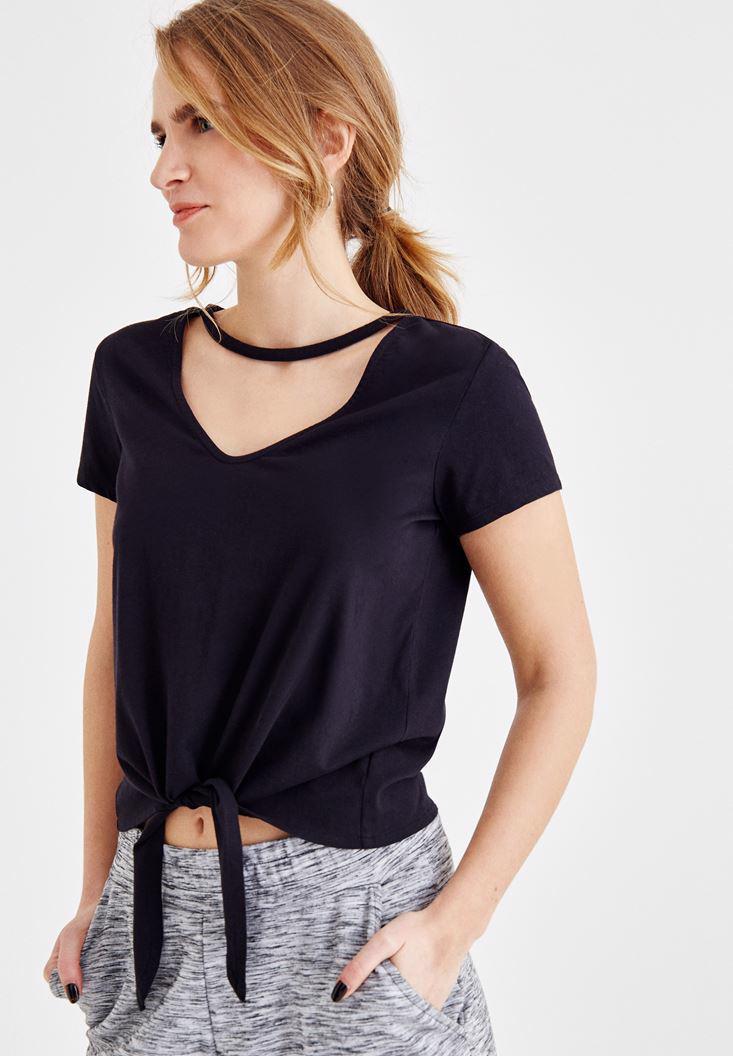 Bayan Siyah Önü Bağlama Detaylı V Yaka Tişört