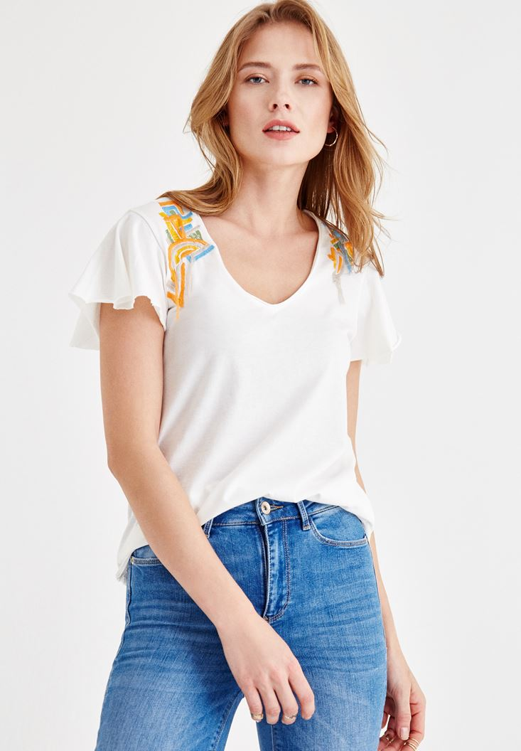 Cream T-Shirt with Embroidery Detailed