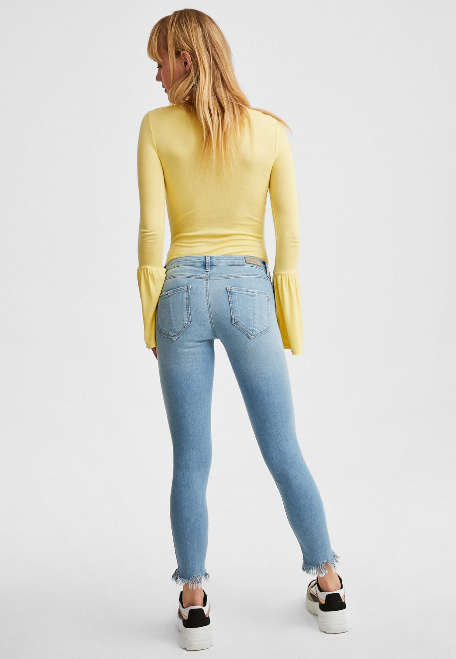 Bayan Mavi Dar Paça Düşük Bel Denim Pantolon