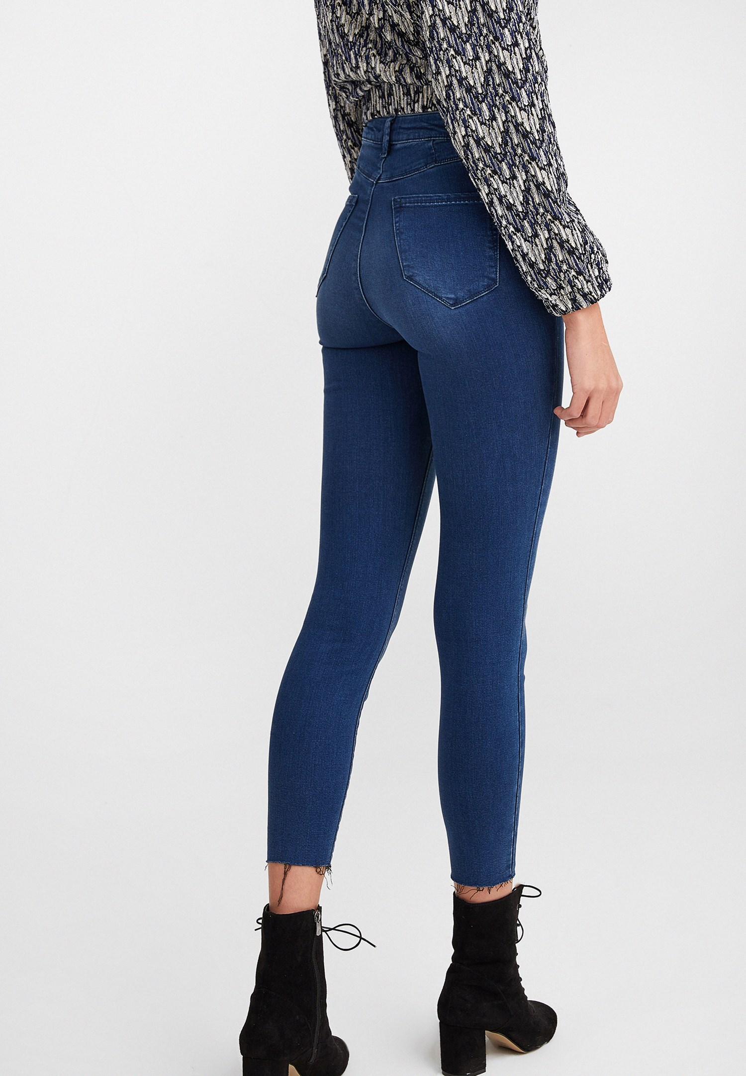 Women Blue Ultra High Rise Skinny Pants