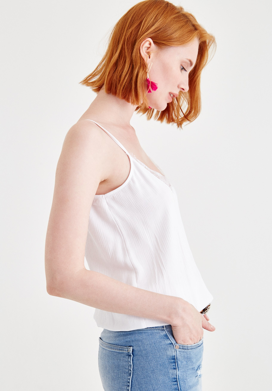 Bayan Beyaz Bağlamalı Saten Bluz