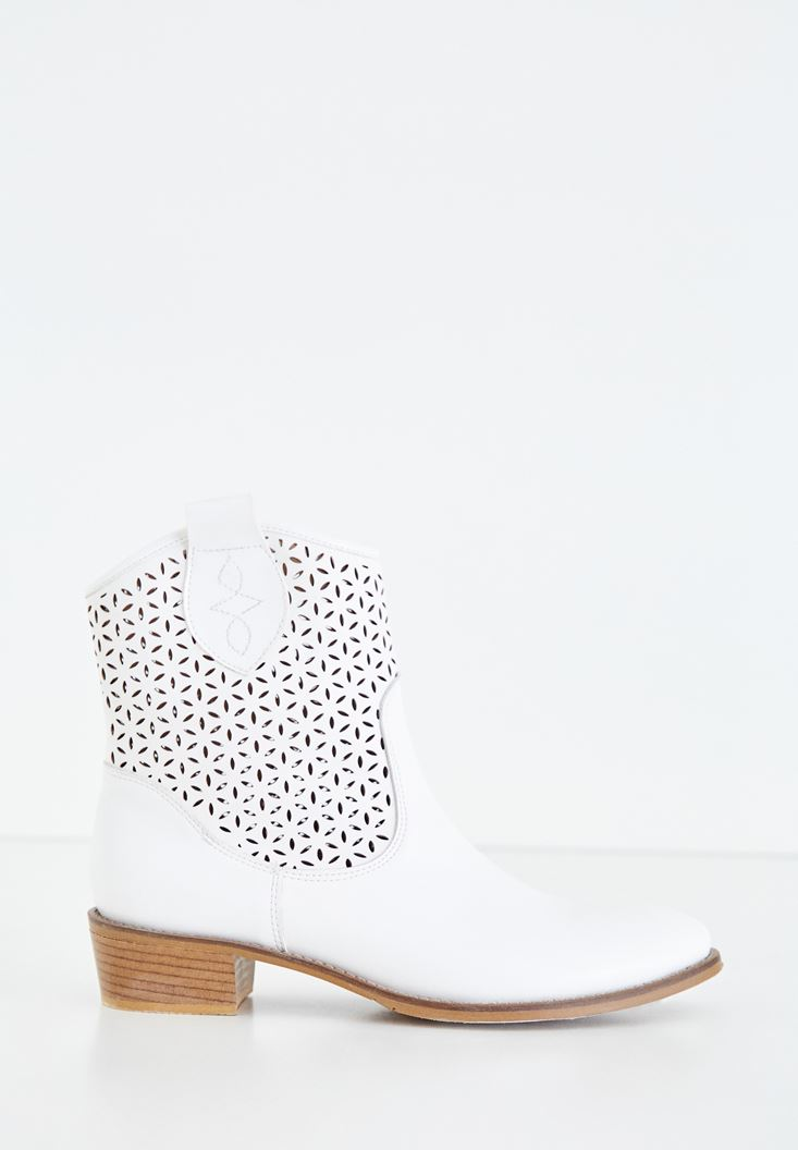 White Heeled Boot with Details