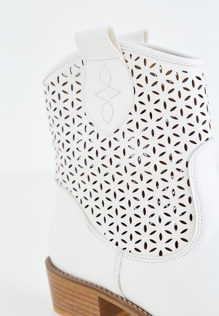 Bayan Beyaz Kısa Topuklu Bot