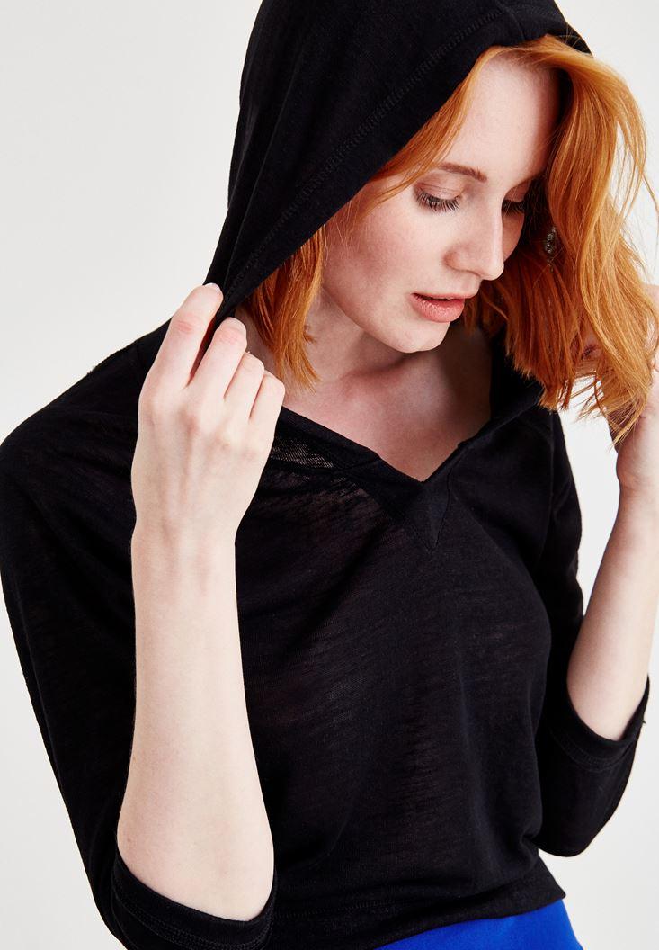 Siyah Kapüşonlu Yaka Detaylı Sweatshirt