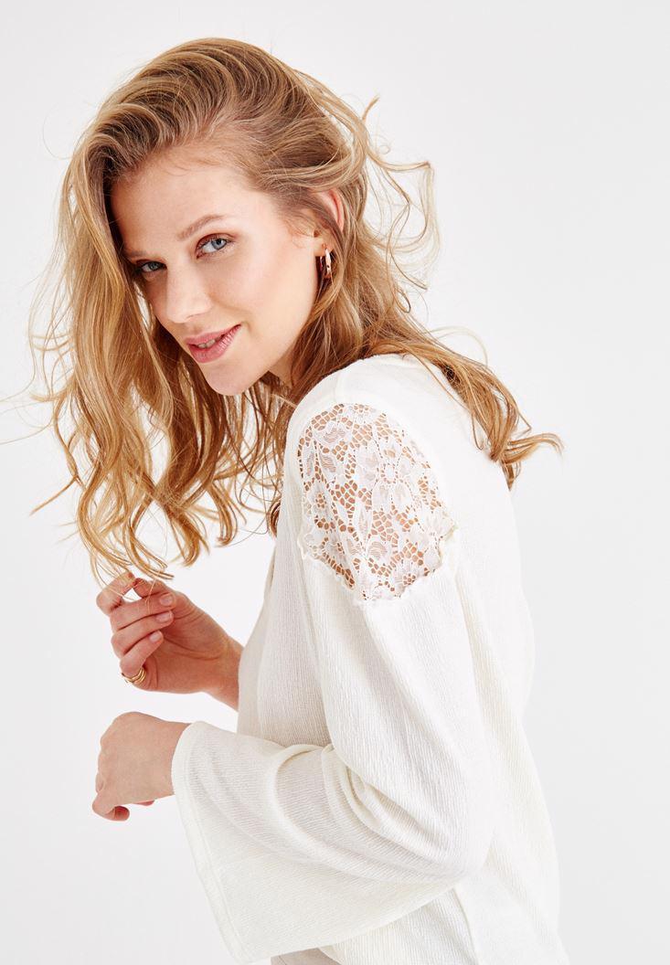 Bayan Krem Uzun Kollu Dantel Detaylı Bluz