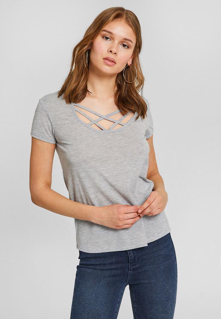 Gri Biye Yaka Simli Basic Tişört