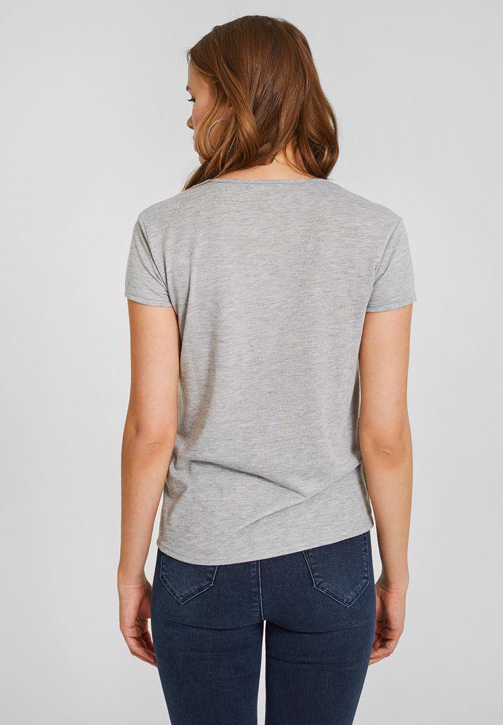 Bayan Gri Biye Yaka Simli Basic Tişört