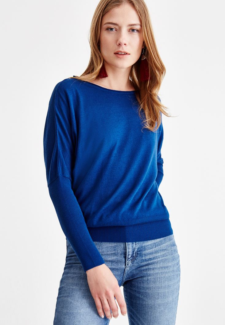 Navy Knitwear with Boot Neck Details