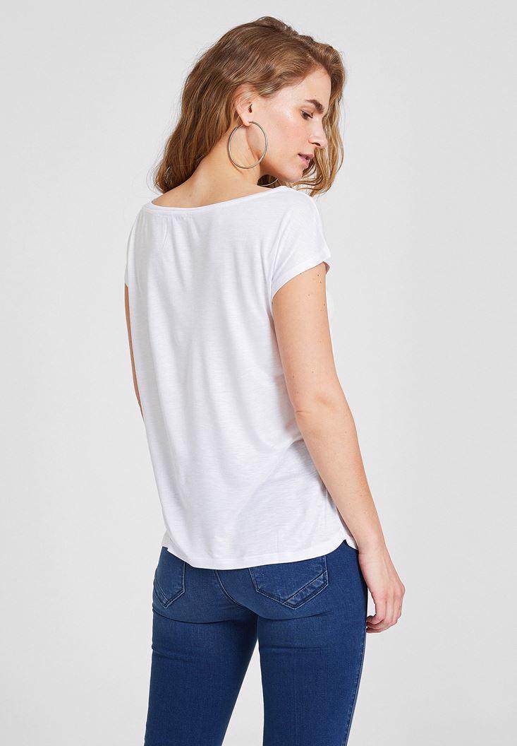 Bayan Beyaz Baskılı Bot Yaka Tişört