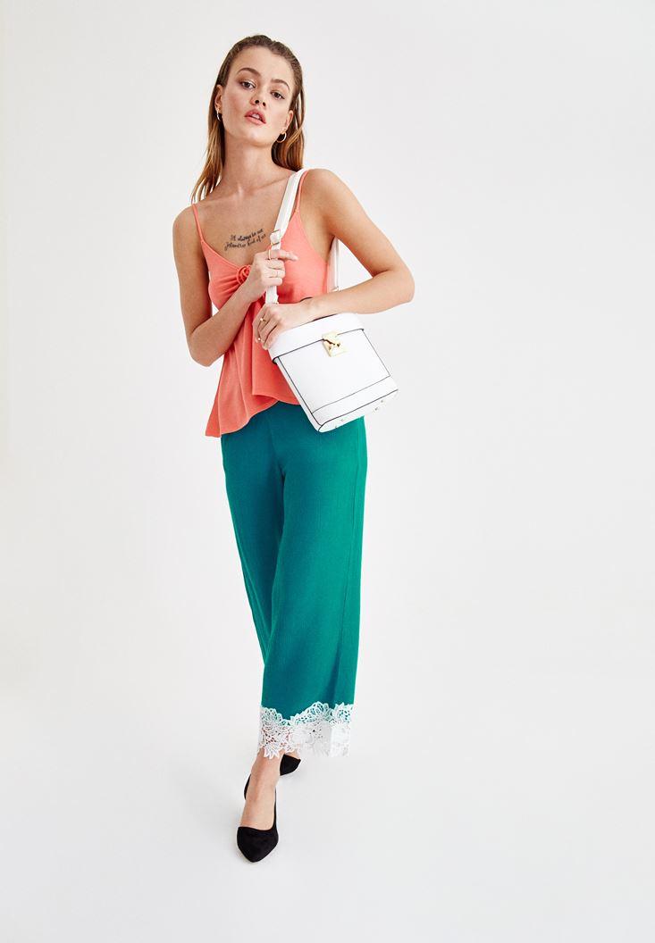 Dantel Detaylı Pantolon ve Askılı Bluz Kombini