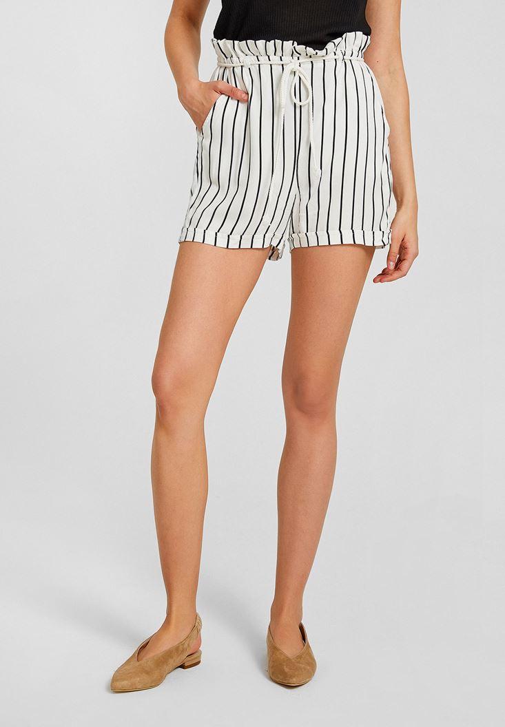 Short with Stripe Details