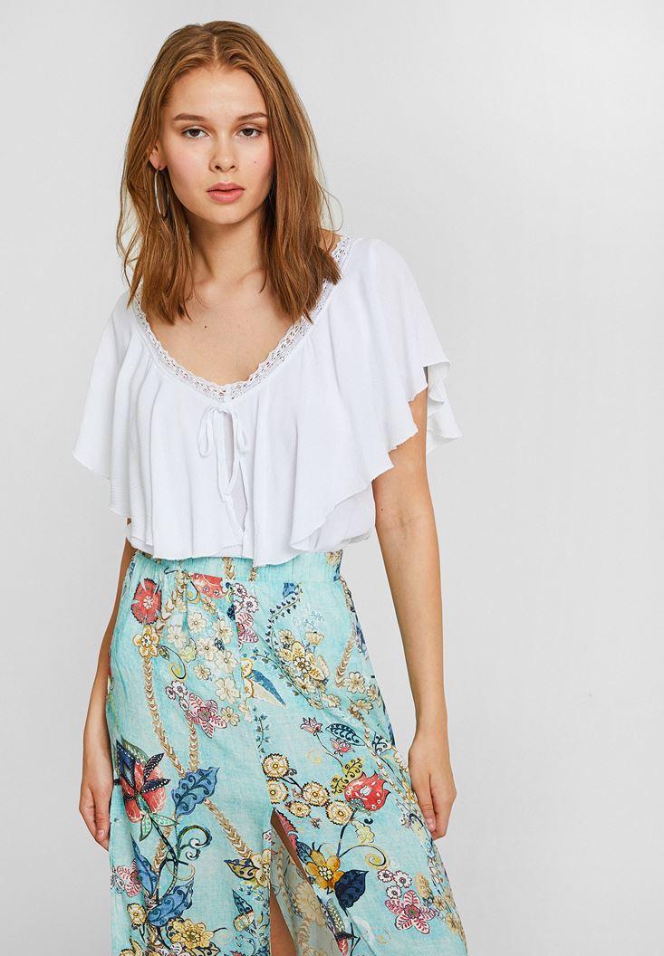 Beyaz V Yaka Volan Detaylı Bluz