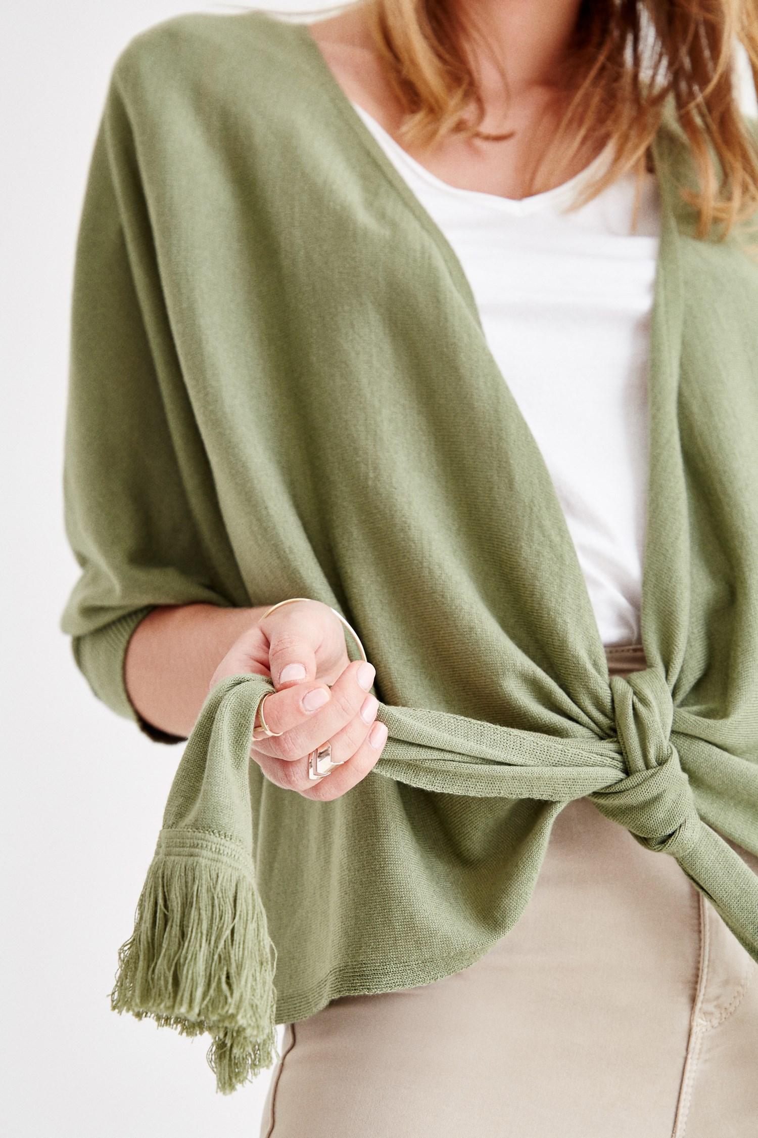 Bayan Yeşil Önü Bağlamalı Püskül Detaylı Triko